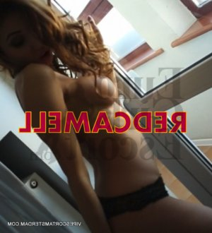 Yumna nuru massage